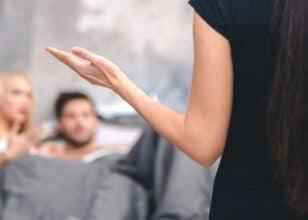 Aldatan Kadın Erkek Belirtileri Nelerdir?